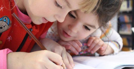 Nuovo anno scolastico, stessi problemi: come salvare la schiena dei nostri bambini?