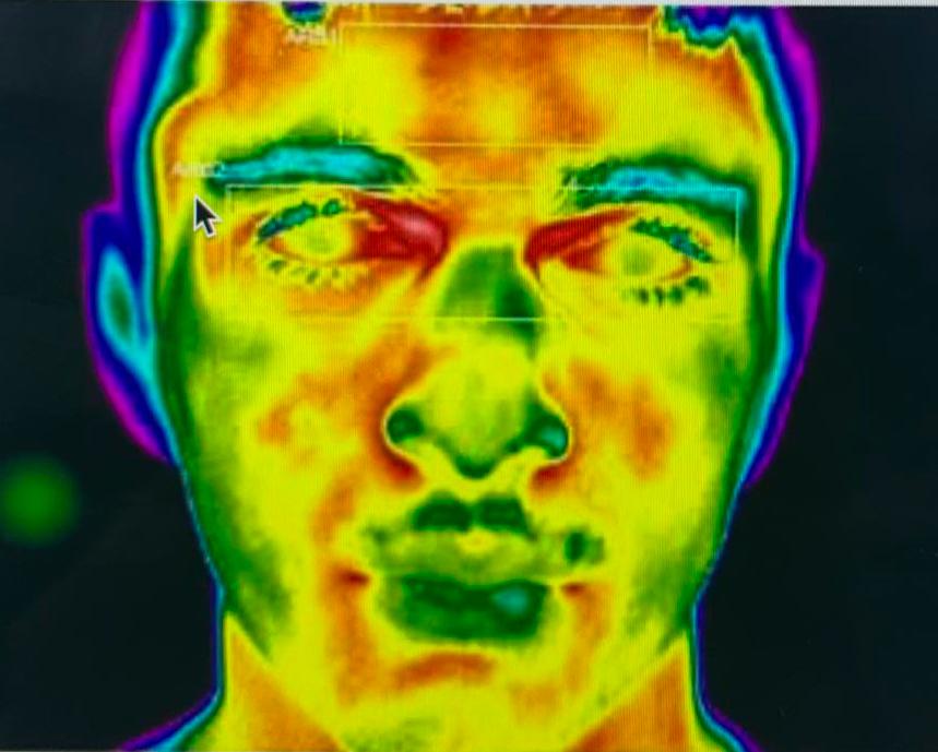 Nuovo sistema di misurazione della temperatura corporea a distanza